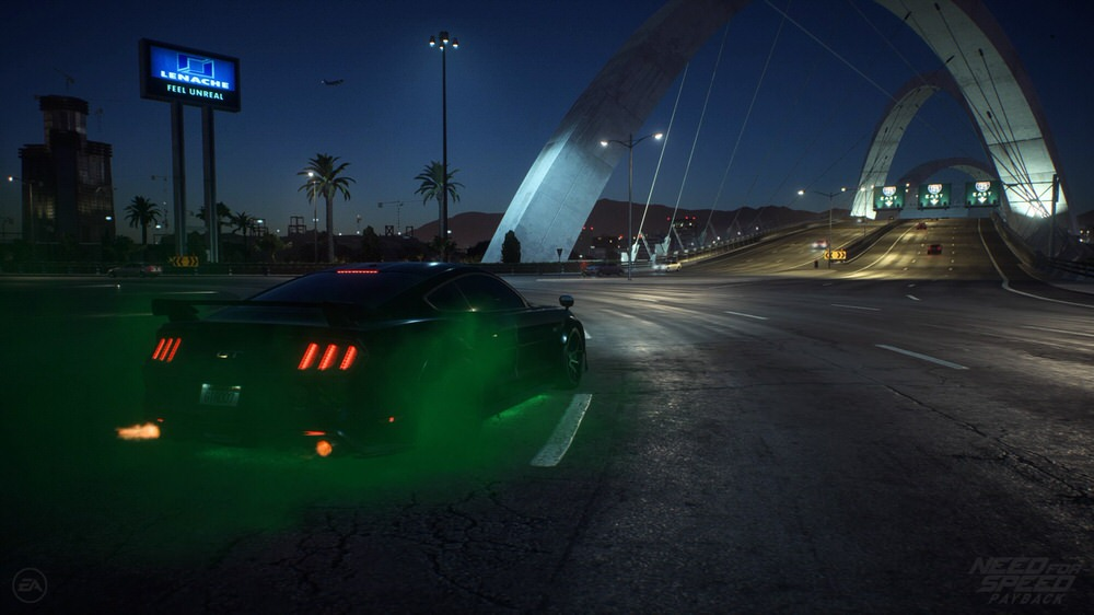 Need for Speed Payback - Mustang GT mit grünen Reifenqualm in Richtung Brücke